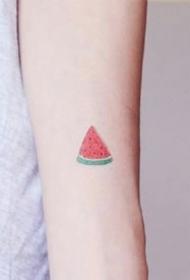 简约水果纹身--一组夏季适合的超简约水果纹身图案作品