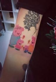 9张社会人专属的彩色可爱小猪佩奇纹身作品图案