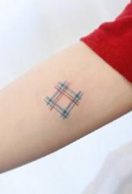 格纹系列-9张精美小清新简约格子纹身图案作品