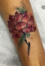水彩风格的一组8张花卉纹身图案
