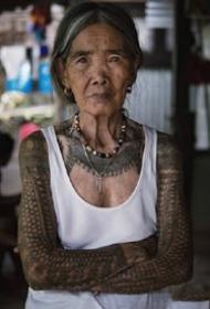 菲律宾101岁纹身艺术家奶奶whangod