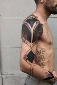 几何形状的一组大黑灰点刺纹身图案作品