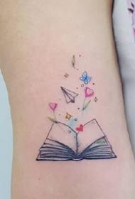 一组小清新的女孩子比较喜欢的简约小纹身图案
