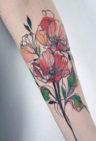 线条感不错的手臂腿部的花朵纹身图案