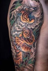 大臂纹身--传统风格的一组大臂纹身图片欣赏