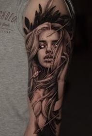 欧美写实风格的女性人物肖像纹身作品图案