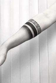 简约的手环纹身--一组简单的黑色调手环纹身图案欣赏