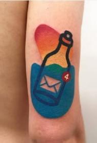 9张创意简约的小彩色个性纹身作品图片
