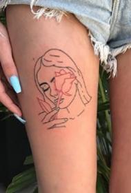 来自国外纹身师的红黑线条组成的创意纹身图案