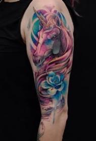 女生喜欢的独角兽的一组纹身图案和手稿9张