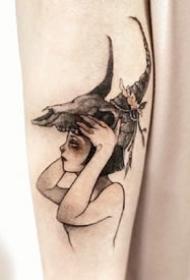 韩国纹身师的一组可爱卡通小女孩纹身图案作品