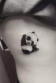 很可爱的一组简约小清新熊猫纹身图案作品