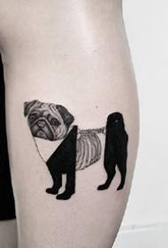 创意十足的露一截骨骼的纯黑动物组合纹身