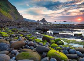大自然平凡但美丽的石头