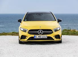 亮黄色奔驰Mercedes-AMG A35 4MATI