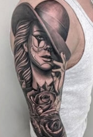帅气的一组大黑花臂纹身作品图案9张