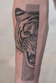 半臉風格的動物黑灰點刺紋身圖案作品9張