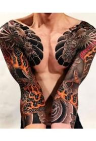 9張男士霸氣的雙半甲花臂紋身圖案作品欣賞
