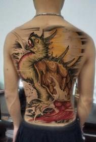 男士背部的满背传统纹身图案作品9张