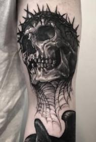 韩国纹身师的暗黑骷髅纹身作品图片