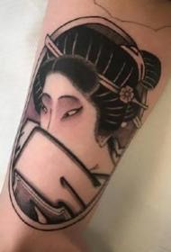 日式风格的一组小黑灰纹身图案欣赏