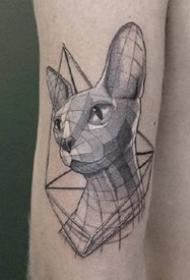 几张黑灰点刺植物几何纹身图案作品