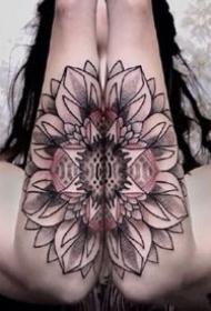 成对的梵花纹身图案作品--强迫症患者喜欢的图案