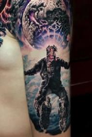 科幻風格的宇宙星空外星人等元素的紋身圖案