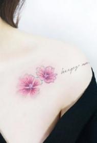 很小清爽的一组女生小花朵纹身图案