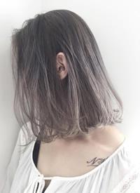超显白的女生大热发色雾面灰+咖啡色