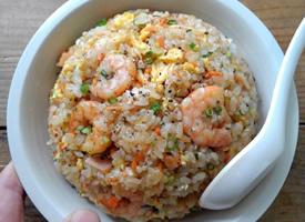 美味可口的虾仁炒饭图片欣赏