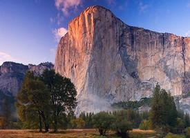 山浪峰濤 成成疊疊的十分壯美的山川圖片