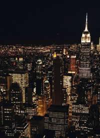 夜晚寂靜而漂亮的紐約航拍圖片