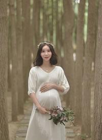 准妈妈可以留下一套小清新的孕期纪念