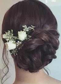 西式大气典雅的新娘盘发造型