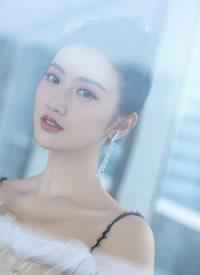 景甜-仙气四溢的白色礼服和银紫色礼服