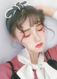 仙气满满的女生刘海卷烫造型图片