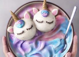 五色斑斕的獨角獸甜品圖片