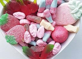 一组五颜六色好看又好吃的软糖图片