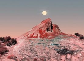 慢慢地太阳升上来了,云朵就像上了颜色了似的,满是红艳,这就是所谓的日出了