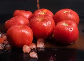 一组意境感超美的红红的番茄图片欣赏