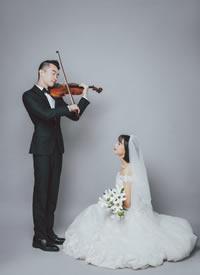 一组韩系简约风婚纱图片有音乐才华的男人真的很加分