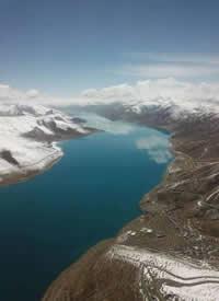航拍下的羊卓雍錯,西藏純凈的美