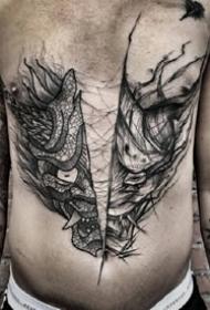 线条感极强的黑色个性男士纹身图案欣赏