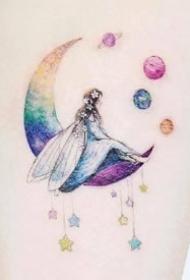 适合女生的小清新风格月亮等彩色小纹身图案