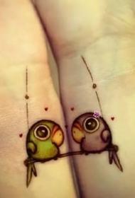 适合闺蜜和姐妹的一组成对纹身图案作品9张
