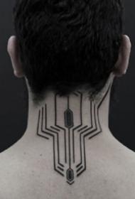 很有科幻主义未来感觉的一组黑色图腾纹身作品