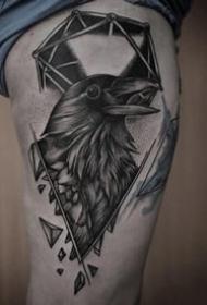 暗黑乌鸦纹身:个性的一组黑色乌鸦纹身图案9张