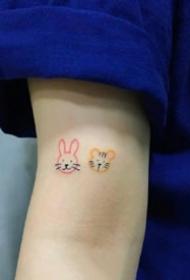 很简单的一组小黑色心爱繁复纹身小图案作品