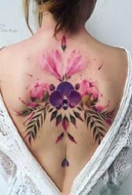 女性专属的一组水黑色花草植物纹身图案